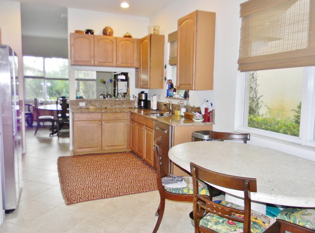 Show virtual tour canal kitchen living room pool - Whitemarsh Reserve In Stuart Gated Community If Possible Owner May Like To Lease Back A Minimum Of 6 Months Up To One Year Best Location For Sale